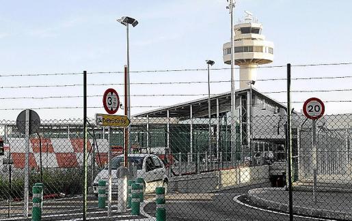 Torre de control aéreo del aeropuerto de Son Sant Joan.