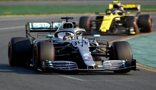 El pilto británco Lewis Hamilton, durante la sesión de clasificación del Gran Premio de Australia de Fórmula 1.