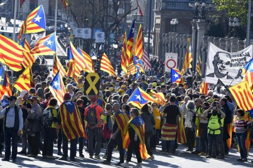 Manifestación que bajo los lemas «Autodeterminación no es delito» y «Democracia es decidir» ha sido convocada por más de sesenta colectivos.