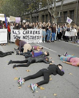 Imagen de la última concentración por el 8M en Palma.