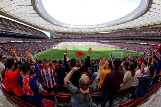 ista general de la grada del estadio Wanda Metrpolitano, el fútbol femenino vive este domingo el choque entre los dos equipos punteros de la Liga Iberdrola, con el enfrentamiento entre el Atlético de Madrid y el Barcelona.