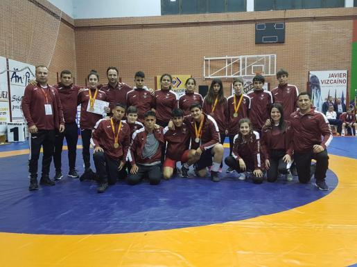 La selección balear cadete y escolar posa tras los nacionales.