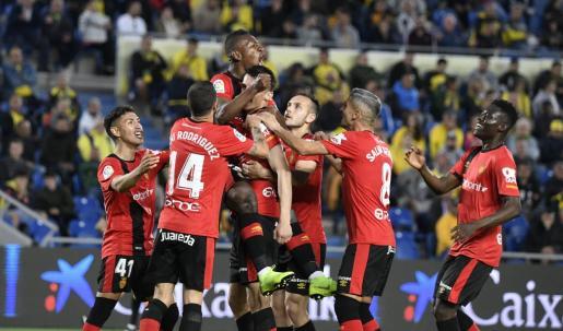 El Real Mallorca celebra el primer gol del encuentro en el estadio de Gran Canaria.
