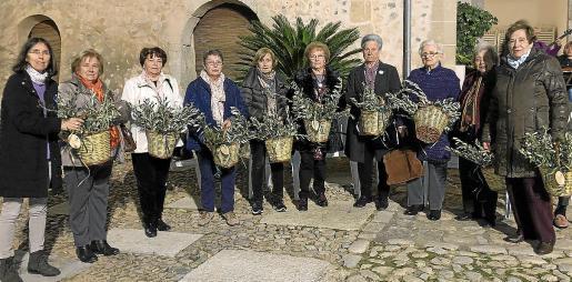 Bàrbara Suau, Magdalena Sabater, María Font, Francisca Colom, Beneta Mas, Isabel Quetglas, Francisca Suau, Maria Conti, Sebastiana Quetglas y Aina Cabot.