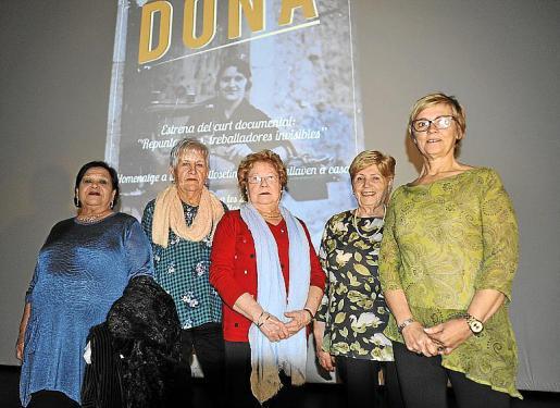 Maria Manuela Cuenca, Maria Ramón, Maria Arrom, Teresa Rodríguez y Antònia Jaume.