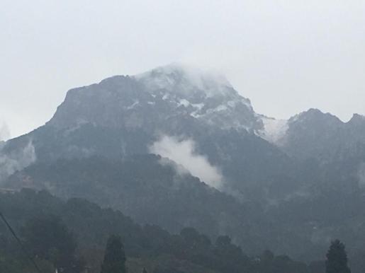 El invierno se despide con nieve y lluvia.