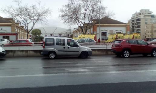Ambulancias del 061, a las puertas de la estación.