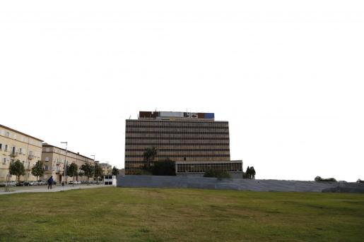El edificio Gesa está en la primera línea de la fachada marítima.