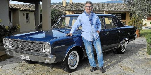 Bernardo Company es el propietario de este Dogde Dart 270 GL de 1966 que lleva más de 50 años ligado a su familia y del que él tiene gratos recuerdos de su juventud