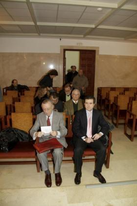 Alemany y Matas, esta mañana antes de iniciarse la última jornada del juicio por la pieza 2 del caso Palma Arena.