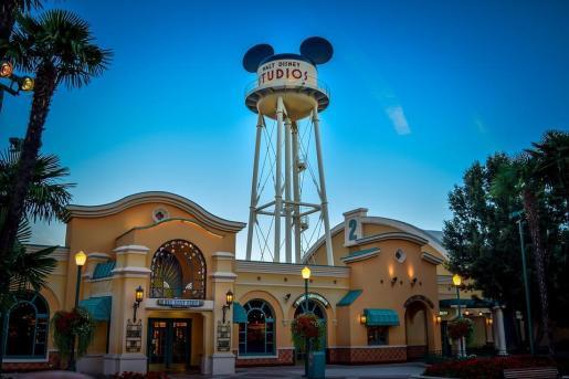 Disney se hace con la propiedad del negocio de producción cinematográfica de 21CF.