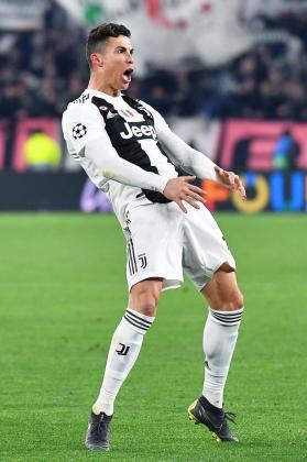Imagen de archivo realizada el pasado martes que muestra a Cristiano Ronaldo, delantero portugués de la Juventus, mientras celebra un gol ante el Atlético de Madrid.