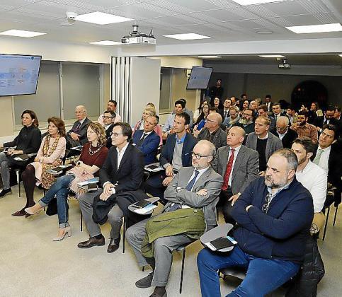 Numeroso público en la conferencia de Eduard Martín en el arranque de Connect'Up 2019.