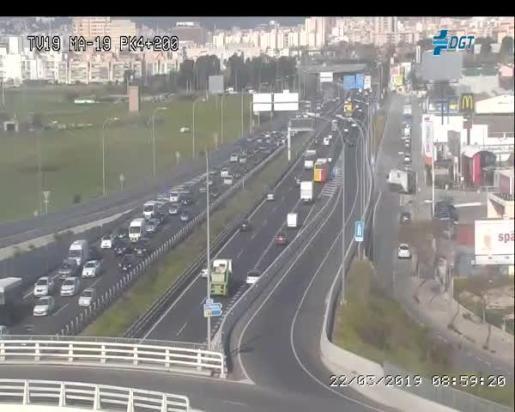 Imagen de las cámaras de la DGT del inicio de la autopista de Llucmajor, donde se ha iniciado el colapso.