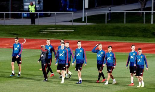 Imagen de los jugadores de la selección española durante un entrenamiento previo al partido ante Noruega.