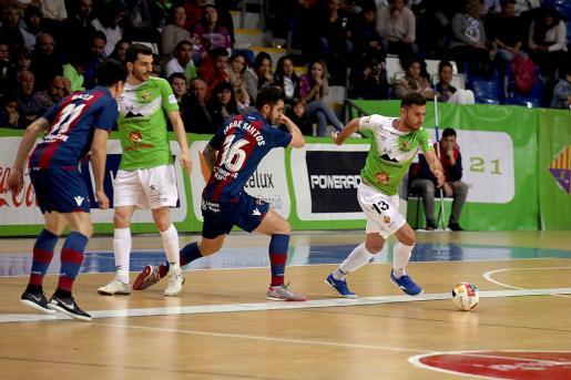 El Palma Futsal se impuso de forma contundente al Levante UD en Son Moix.