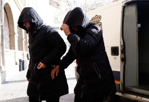 Palma sucesos uh pase a disposición judicial tres mujeres Boda recluso fotos: pellicer
