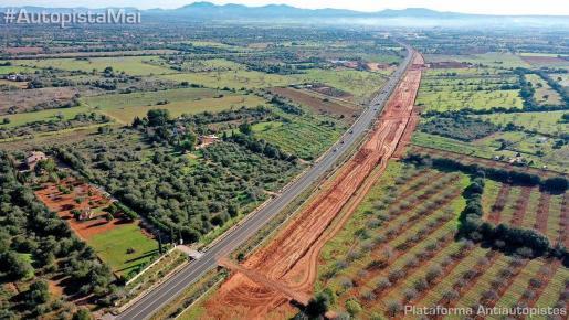 Imagen de la carretera Llucmajor-Campos difundida por la Plataforma Antiautopistes.