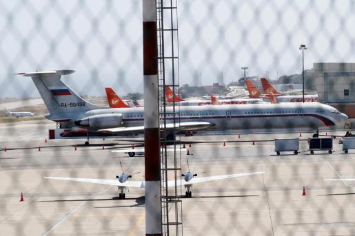 Avión ruso en el aeropuerto internacional Simón Bolívar, en Caracas.