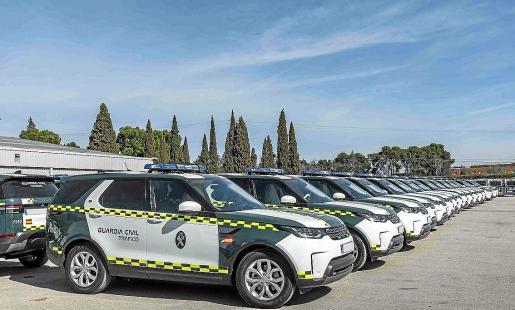 Los vehículos han sido adaptados a las necesidades de la Agrupación de Tráfico de la Guardia Civil.