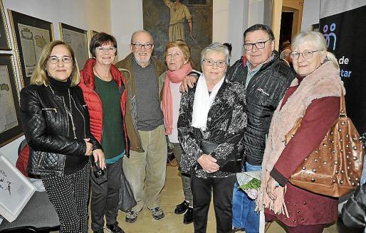 Joana Capllonch, Brenda McCabe, Francisco Capllonch, Magdalena Capllonch, Francisca Vives, Joan Crespí y Maria Capllonch.