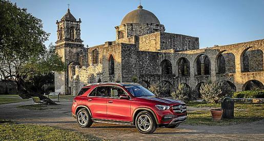 Mercedes-Benz continúa electrificando su gama.