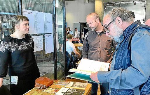El gestor cultural del Clúster de Còmic de Mallorca, Joan Miquel Morey, y el dibujante Tatúm, hace ahora un año en la anterior edición del en la capital del país nórdico.