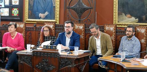 El alcalde Noguera y Joan Ferrer defendieron su actuación en el conflicto de la EMT.
