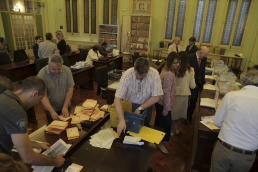 Recuento de los votos que llegan por Correo