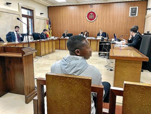 Uno de los dos acusados, en el juicio en la Audiencia de Palma.