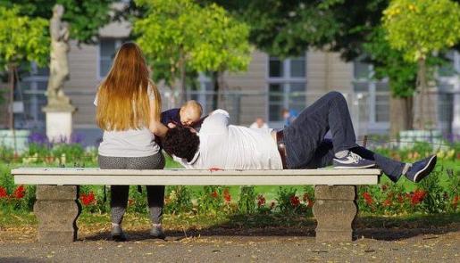 Entra en vigor la ampliación del permiso de paternidad.