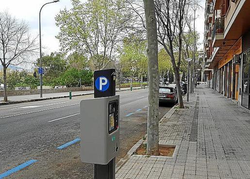 Entra en vigor el estacionamiento tarifado en la calle de Jesús de Palma.