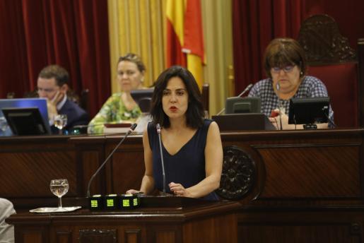 Sandra Fernández, diputada en el Parlament balear, se despide de la política en Twiiter.