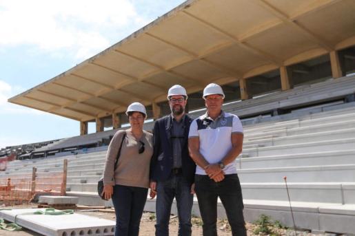 Susanna Moll, Antoni Noguera e Ingo Volckmann en el Estadi Balear.