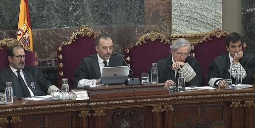 El juez Marchena y los magistrados durante el juicio en el Supremo.
