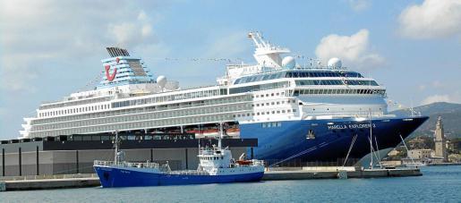 El 'Marella Explorer 2', con capacidad para 1.800 turistas, registra 72.458 toneladas y mide 248 metros de eslora.
