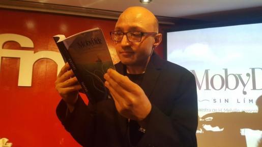 El actor Jesús Vidal de 'Campeones' durante la presentación de 'Moby Dick' reescrito sin la letra 'e'.