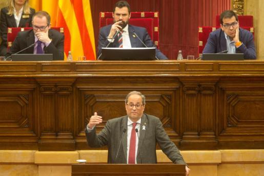 El presidente de la Generalitat, Quim Torra, durante su comparecencia este miércoles en el pleno del Parlament para dar cuenta de los últimos cambios en el Govern, con el relevo de Meritxell Budó y Mariángela Vilallonga en sustitución de Elsa Artadi y Laura Borrás.