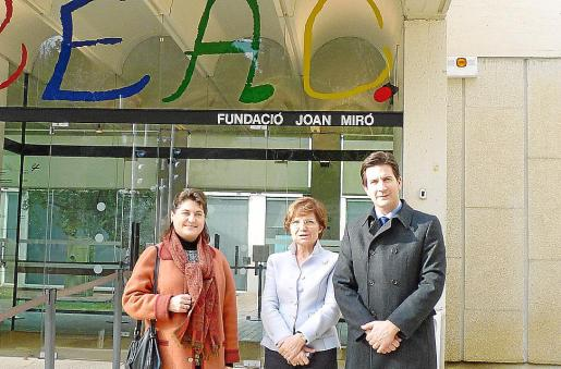 Elvira Cámara, Rosa Maria Malet y Fernando Gilet posaron en Barcelona, ayer.