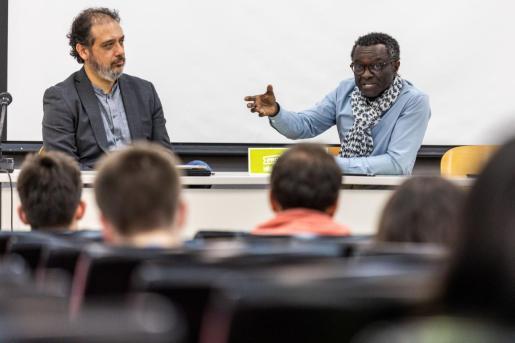 El profesor Ricardo Zúñiga y Guillem Balboa en Madrid