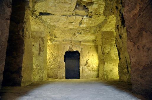 Fotografía facilitada por la Universidad de La Laguna, de las excavaciones en Lúxor, en el sur de Egipto, donde una misión arqueológica española ha descubierto que la tumba faraónica TT 209.