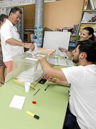 El 28 de abril se celebran de nuevo elecciones al Congreso.
