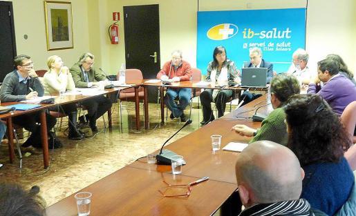 Castro y Bestard se reunieron ayer con los sindicatos de la Mesa Sectorial de Sanidad.