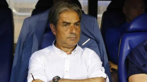 Natxo González en el banquillo del Deportivo durante un partido de esta temporada.