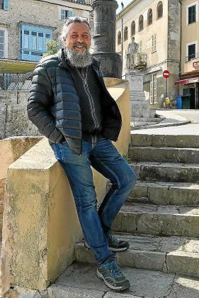 Francesc Capdevila 'Max', posando en Sineu.