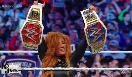 Becky Lynch hizo historia al proclamarse doble campeona.