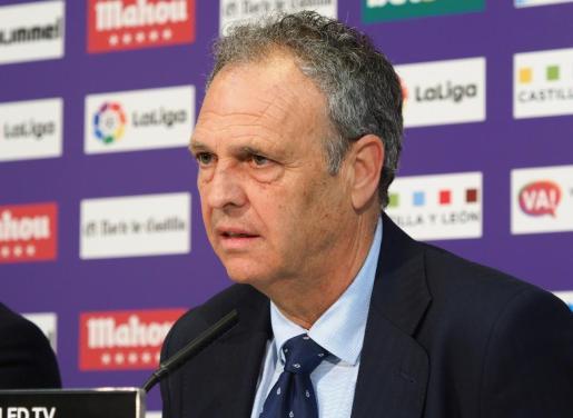 El técnico del Sevilla, Joaquín Caparrós, este domingo durante la rueda de prensa en Valladolid en la que contó que sufre leucemia.