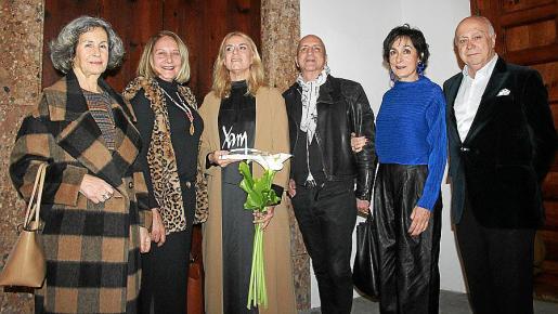 Dolores Martínez- Echevarría, Águeda Ropero, Susy Gómez, Chus Burés, Neus Cortés y Joan Guaita.