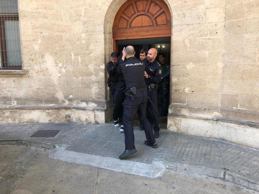El juez envía a prisión al joven que atropelló a cuatro personas en Playa de Palma.