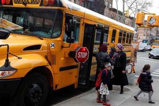 Niños de la comunidad judía ortodoxa de Nueva York en la que un brote de sarampión se ha ido extendiendo en los últimos meses.